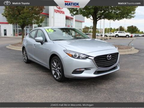 Pre-Owned 2018 Mazda3 Touring FWD 4D Sedan