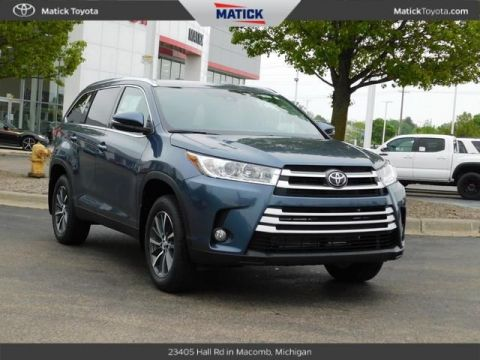 New 2019 Toyota Highlander XLE 4D Sport Utility With Navigation & AWD
