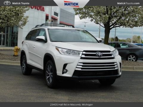 New 2019 Toyota Highlander XLE 4D Sport Utility With Navigation