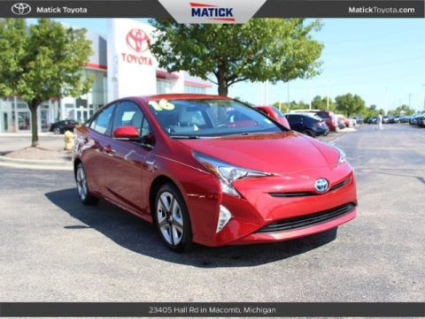 Certified Pre-Owned 2016 Toyota Prius TRG 5D Hatchback With Navigation